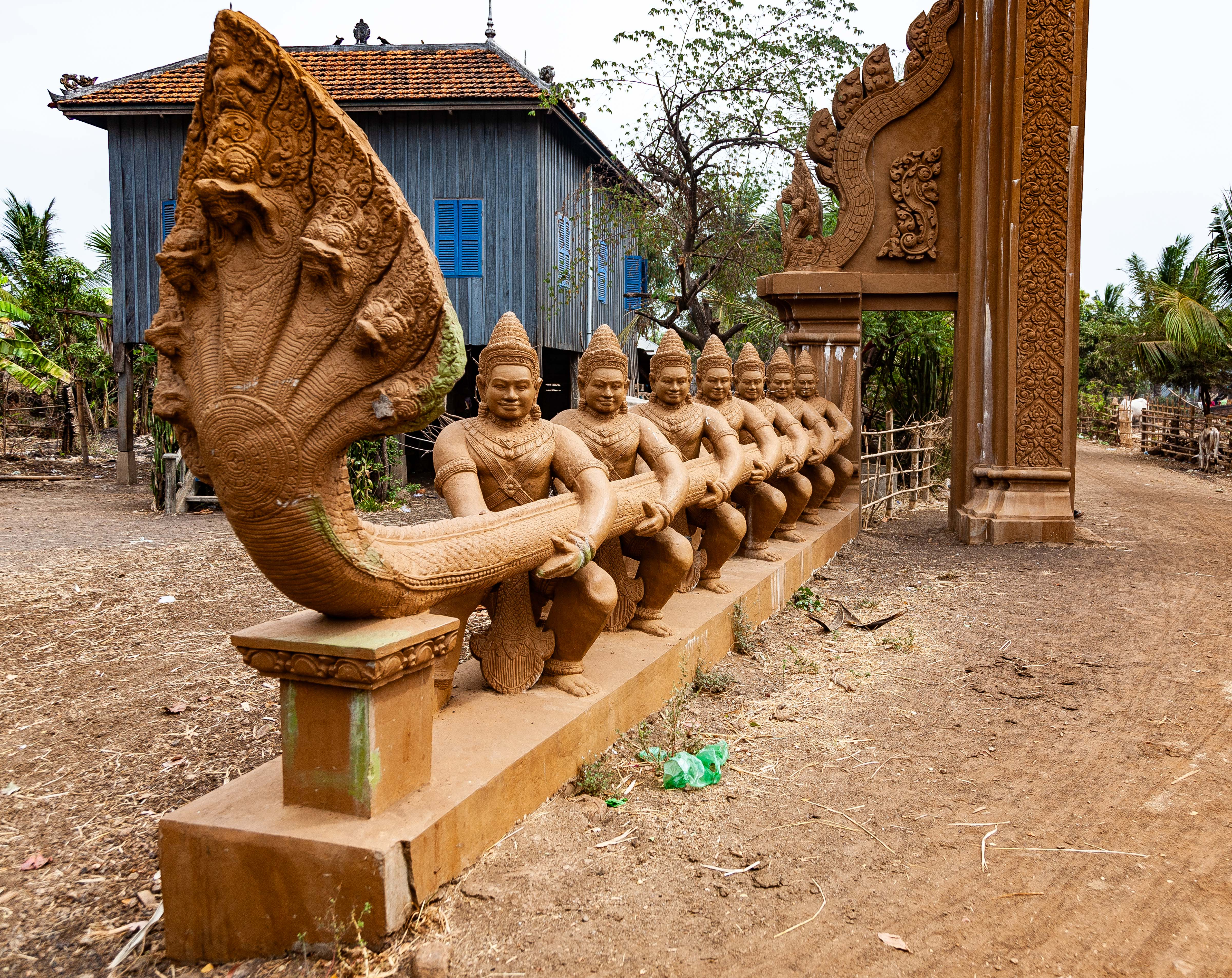 Cambodia, Kampong Chaam Prov, Tugging Of Gods, 2010, IMG 5407