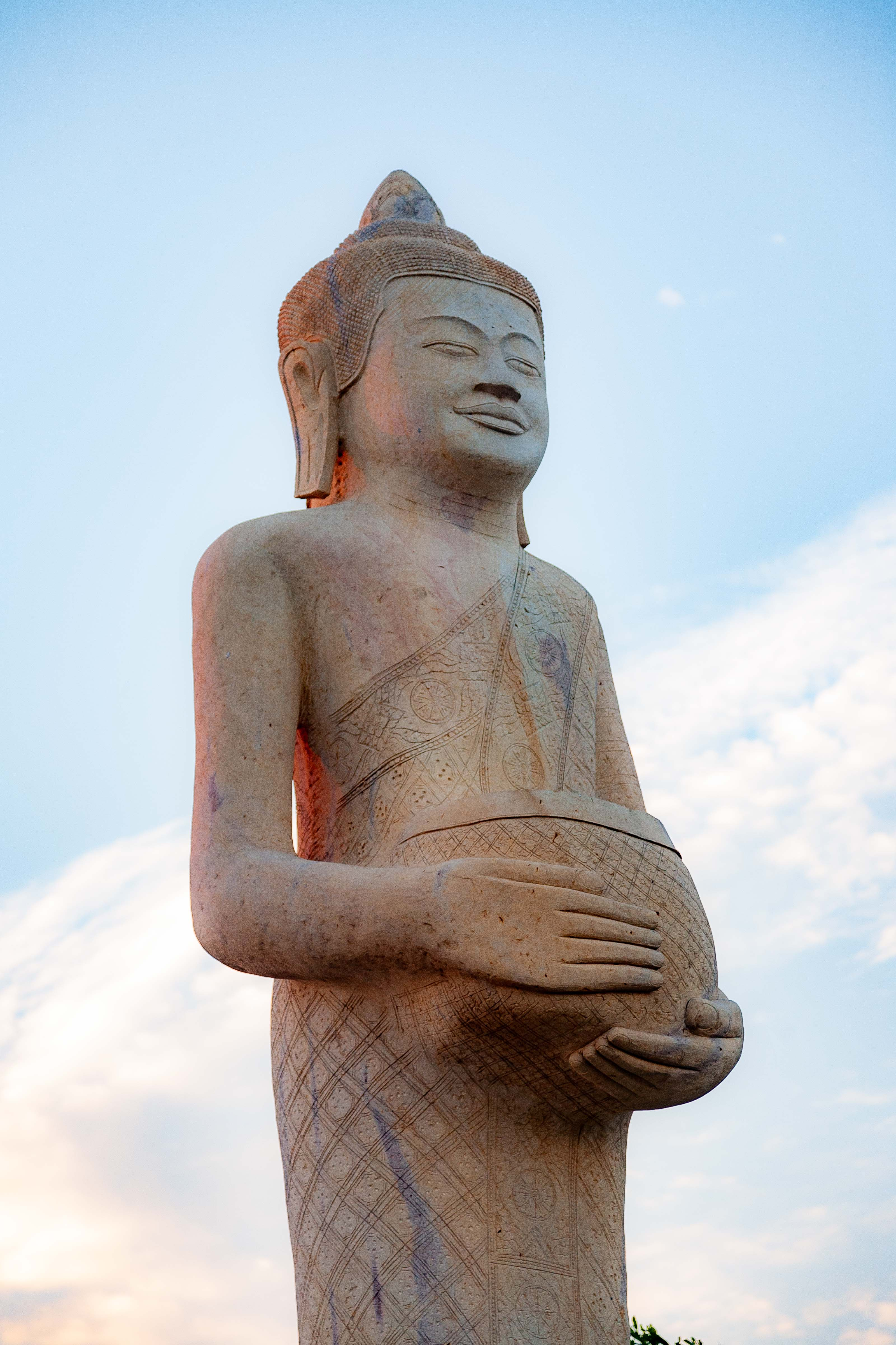 Cambodia, Kaoh Kong Prov, Country Statue, 2010, IMG 5086
