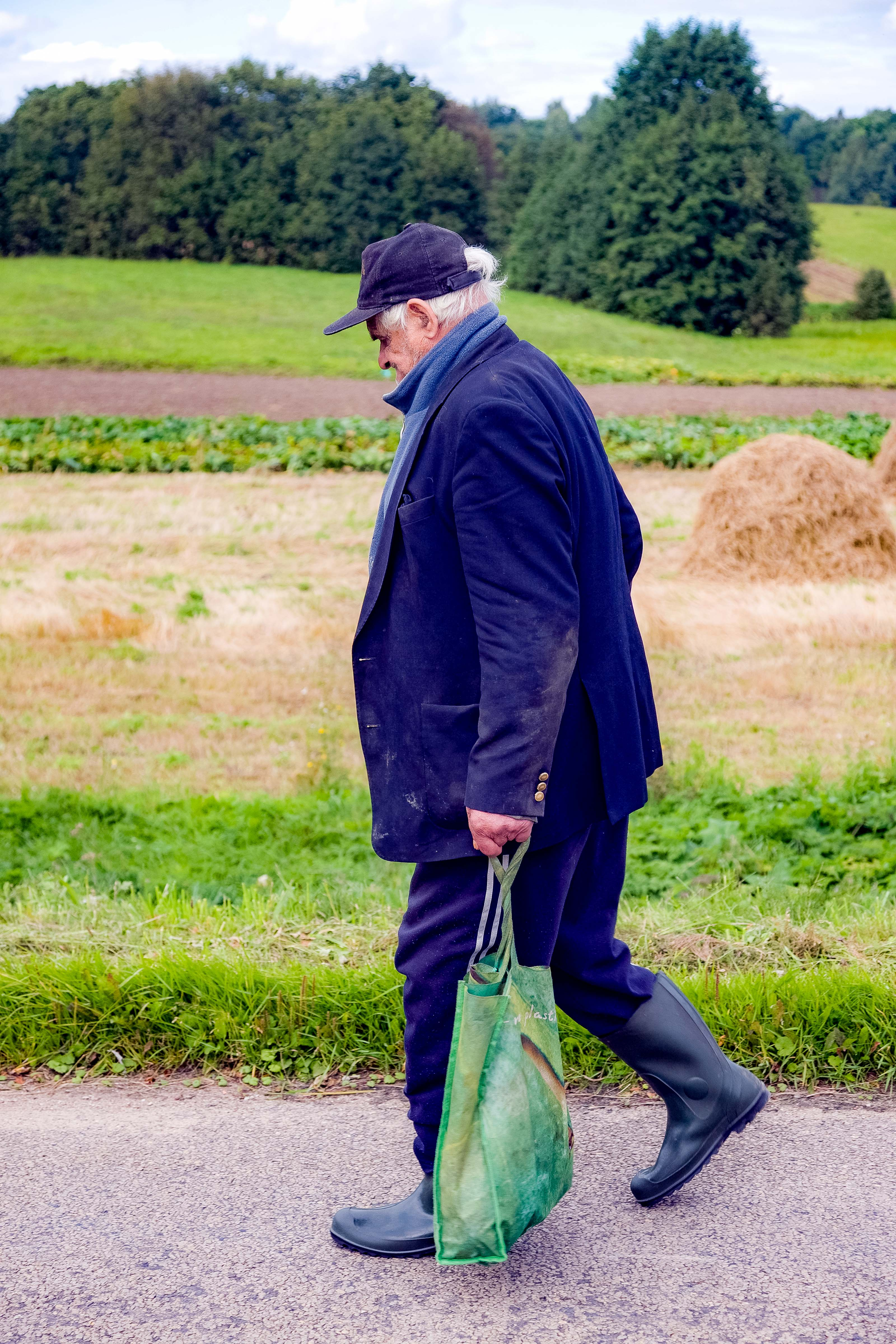 Lithuania, Taurages Prov, Old Man Walking, 2010, IMG_2917