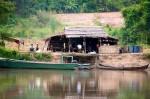 Myanmar,_Kachin_Prov,_River_Stop_Scene,_2009,_IMG_3590