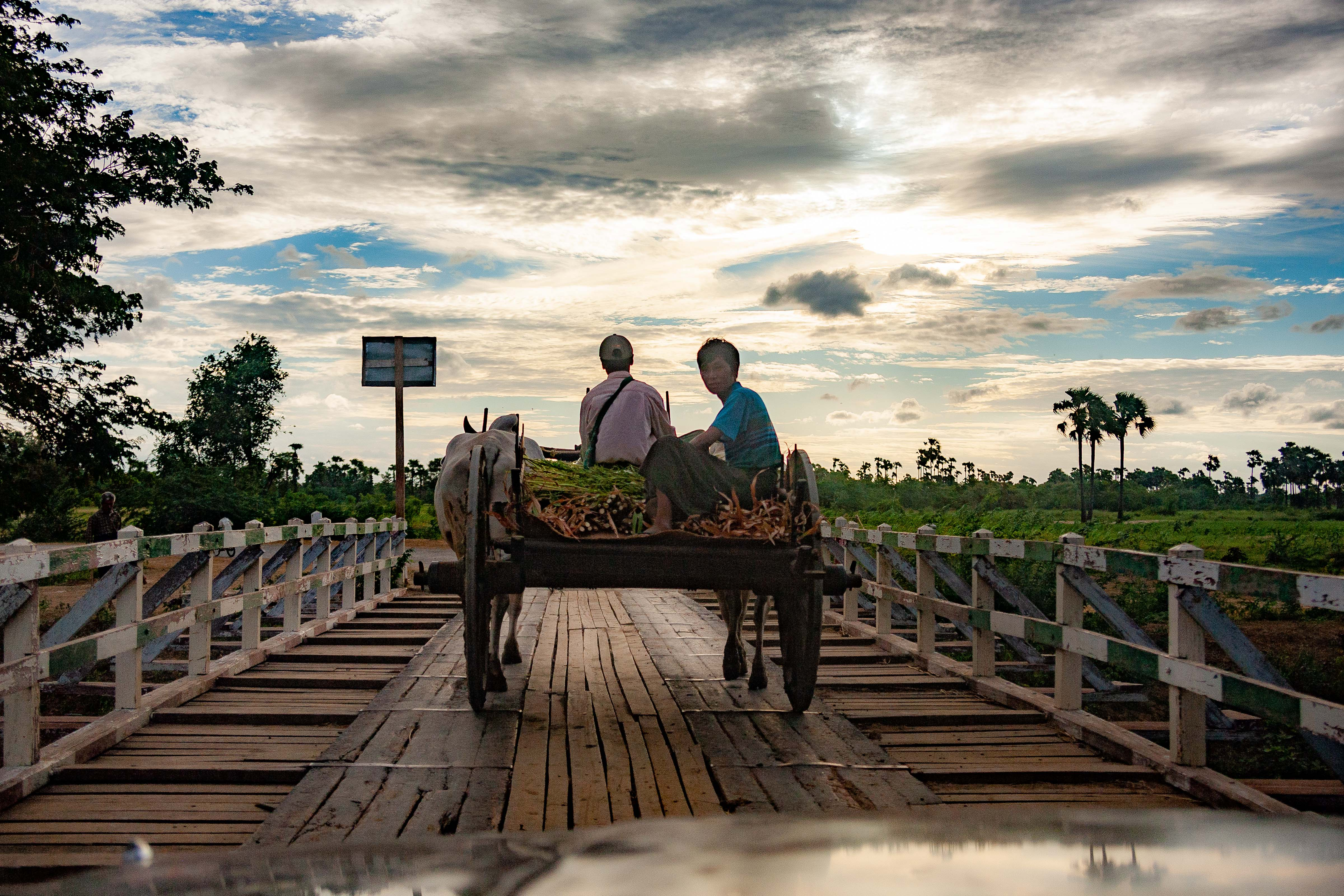 Myanmar, Mandalay Prov, Bagan Wagon On Bridge, 2009, IMG 4849