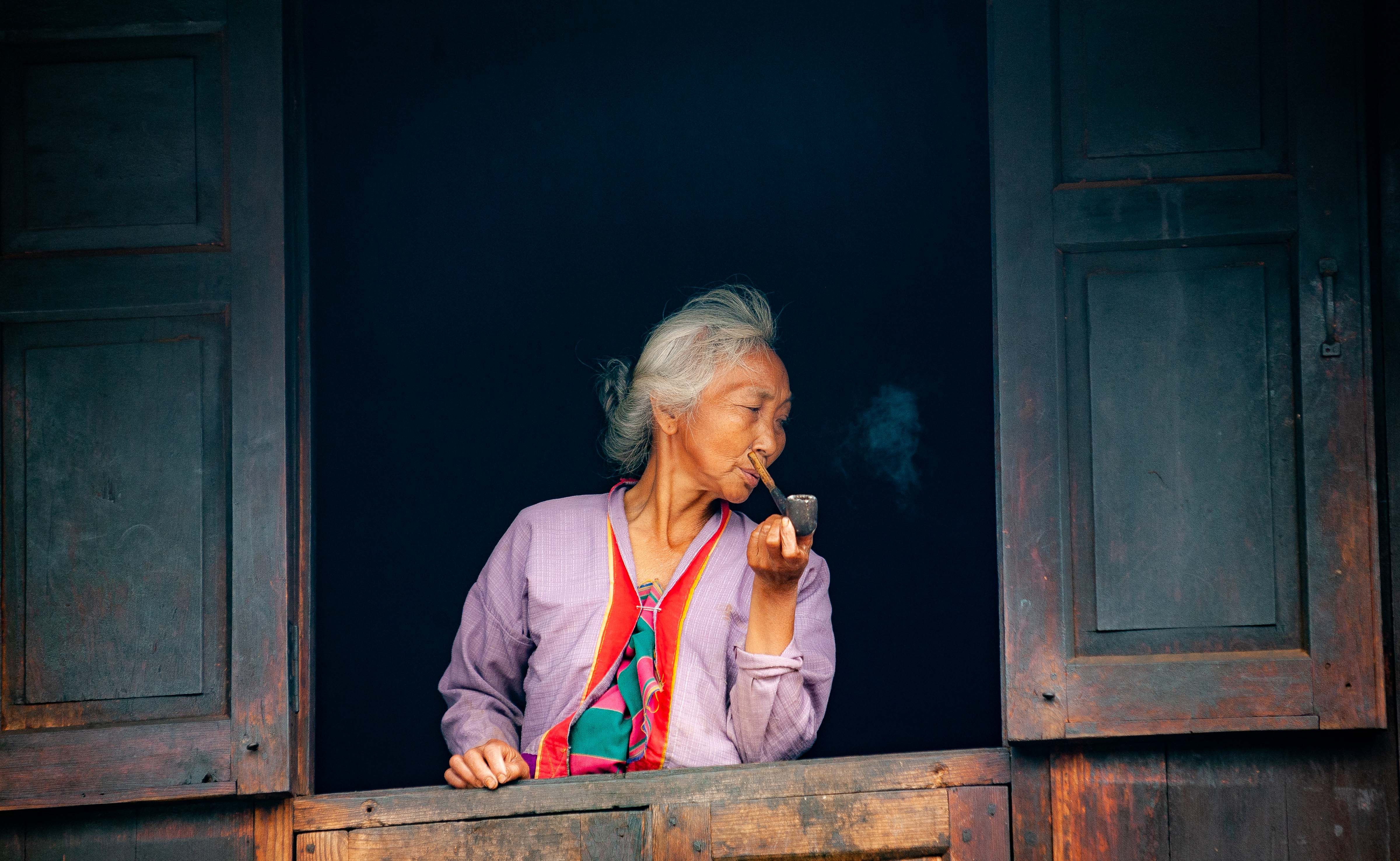 Myanmar, Shan Prov, Old Woman Pipe, 2009, IMG 4383