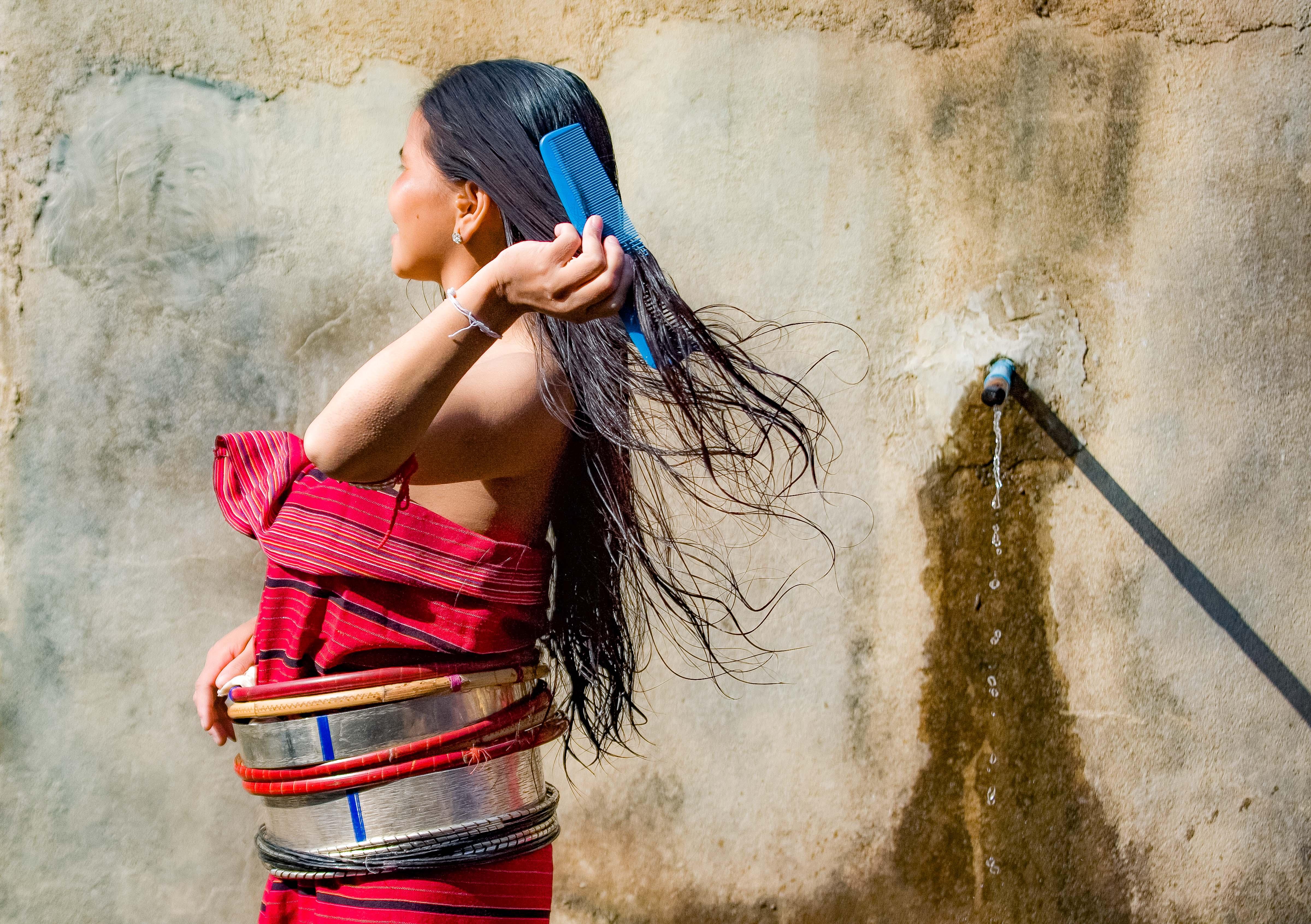 Myanmar, Shan Prov, Silver Paluang Girl Bathing, 2008, IMG 7431