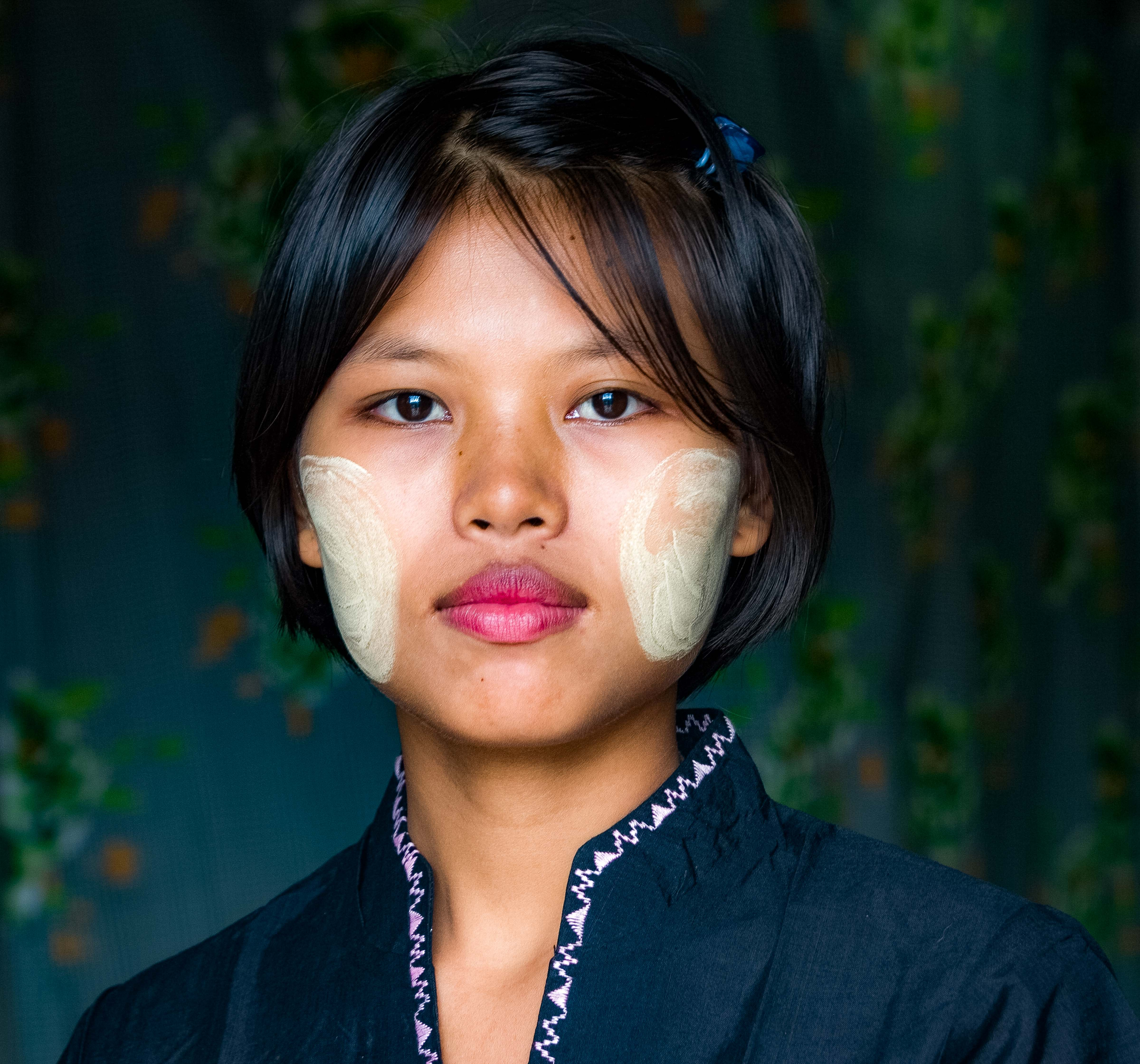 Myanmar, Tanintharyi Prov, Burmese Beauty In Traditional Clothing, 2008, IMG 2741