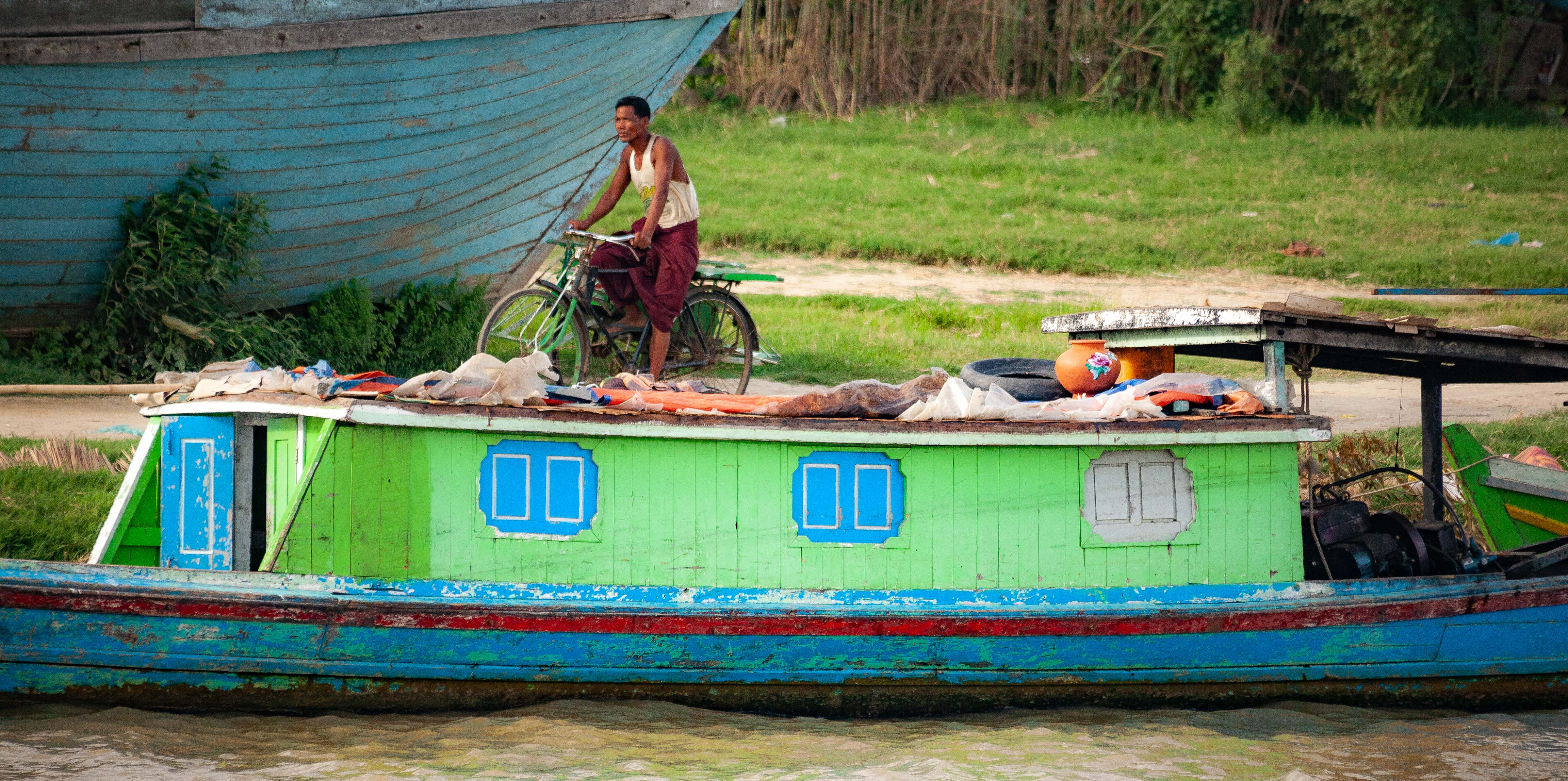 Myanmar, Unknown Prov, Boats River, 2009, IMG 3871