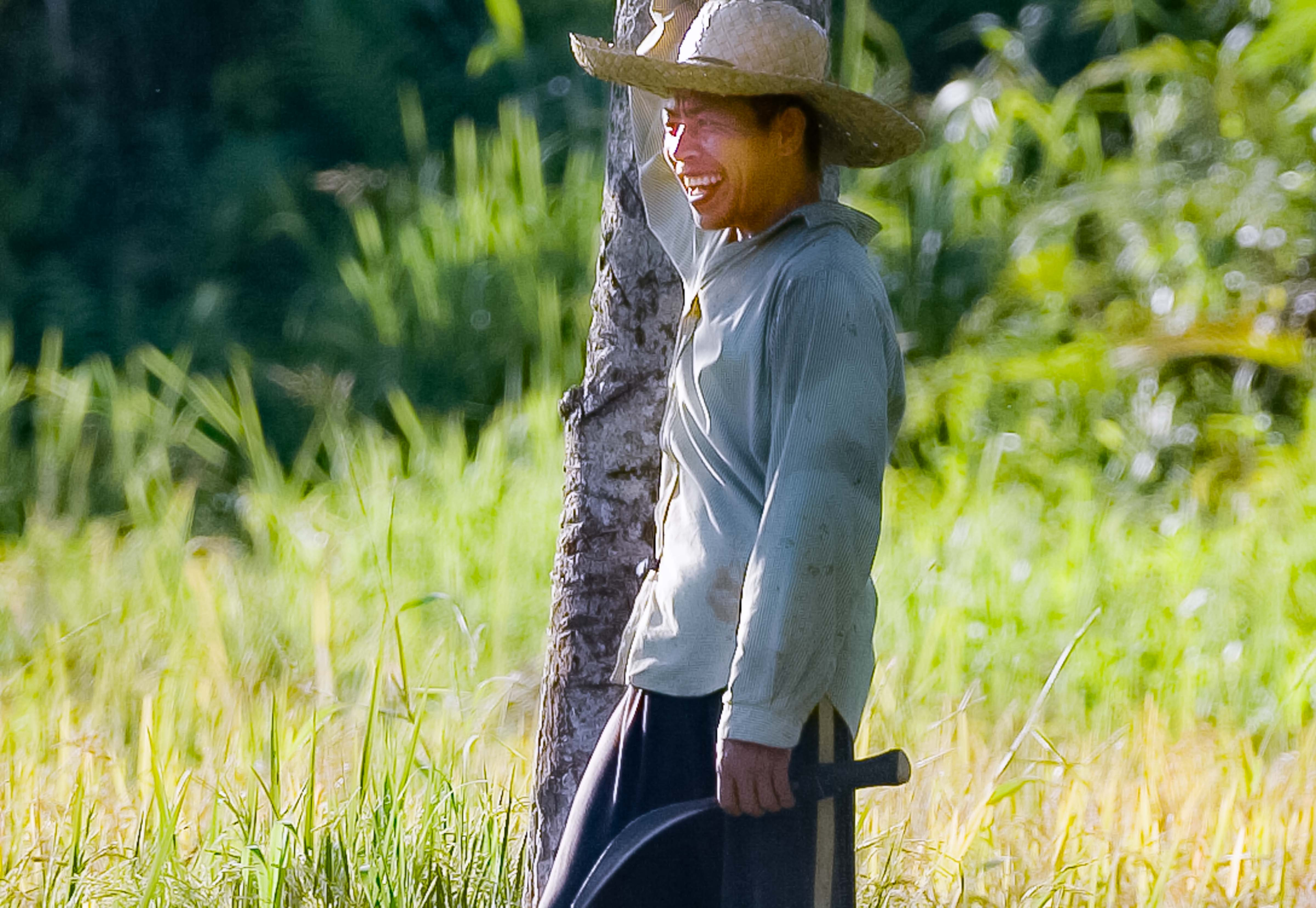 PH, Agusan Del Norte Province, Field Worker, 2008, IMG_1295r1