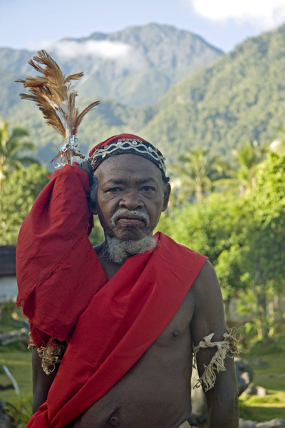 Seram, Kanikeh Man And Mount Binaya, 2006
