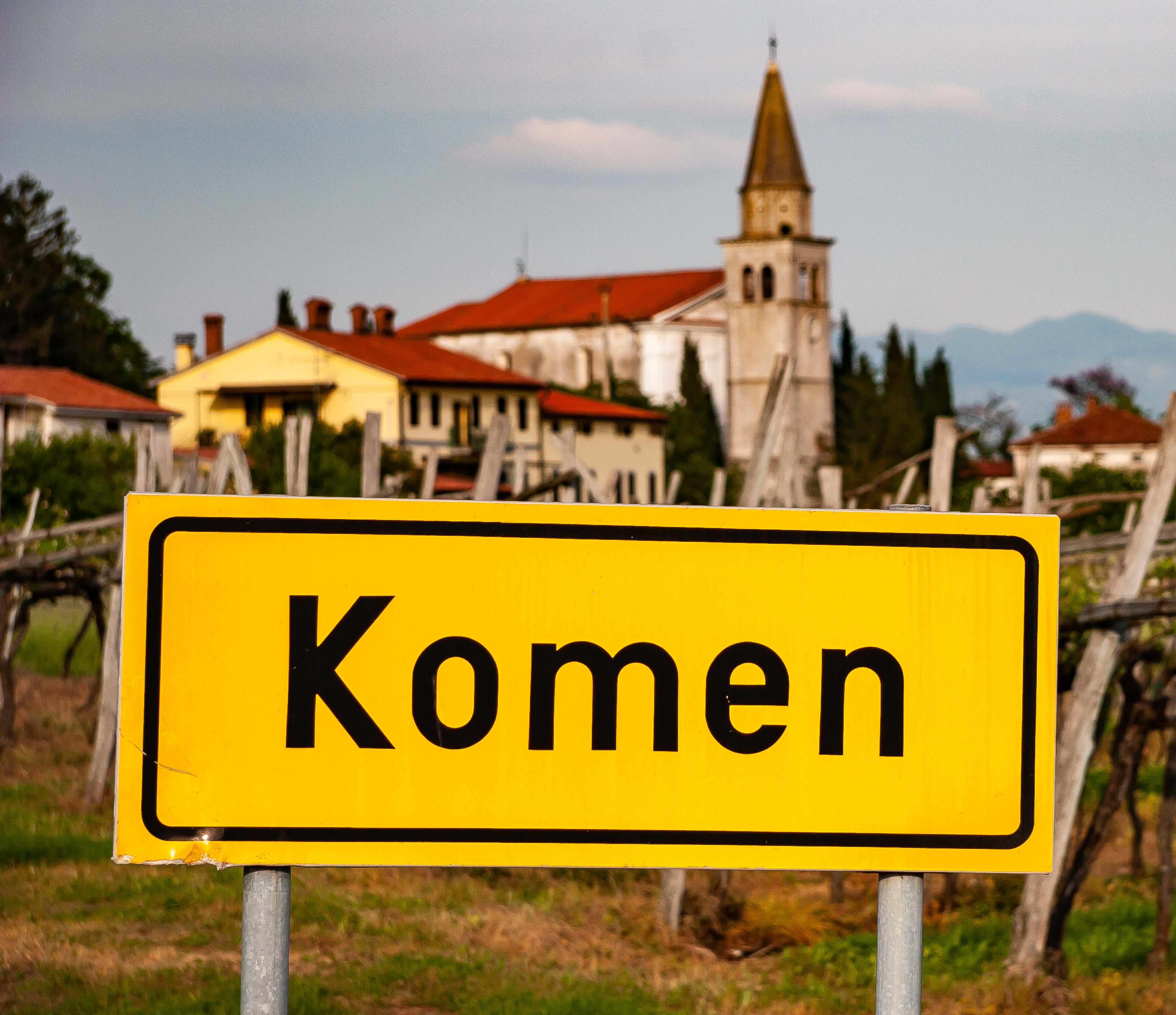 Slovenia, Komen Prov, Komen Sign, 2006, IMG 6796