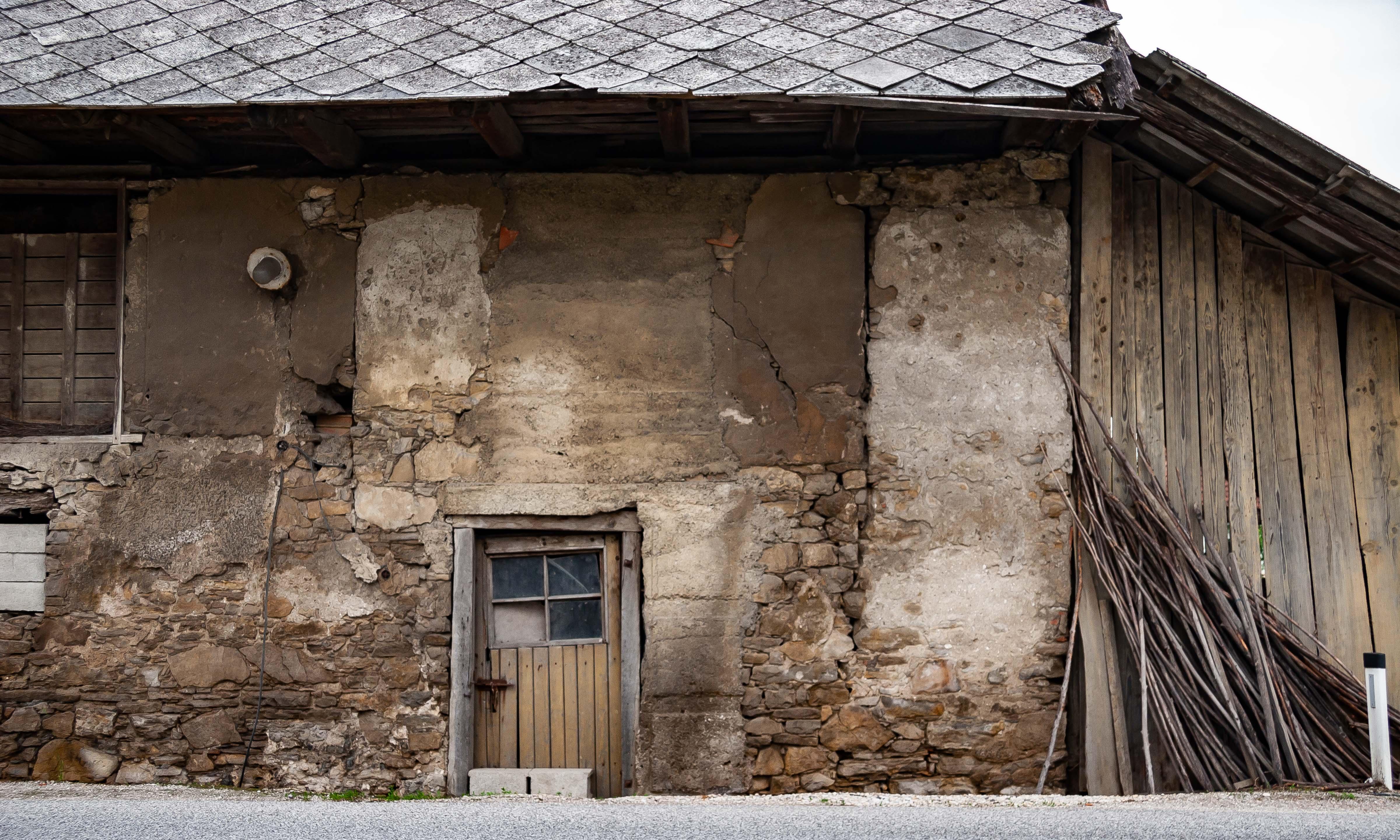 Slovenia, Podcetrtek Prov, Crooked Door, 2006, IMG 7950
