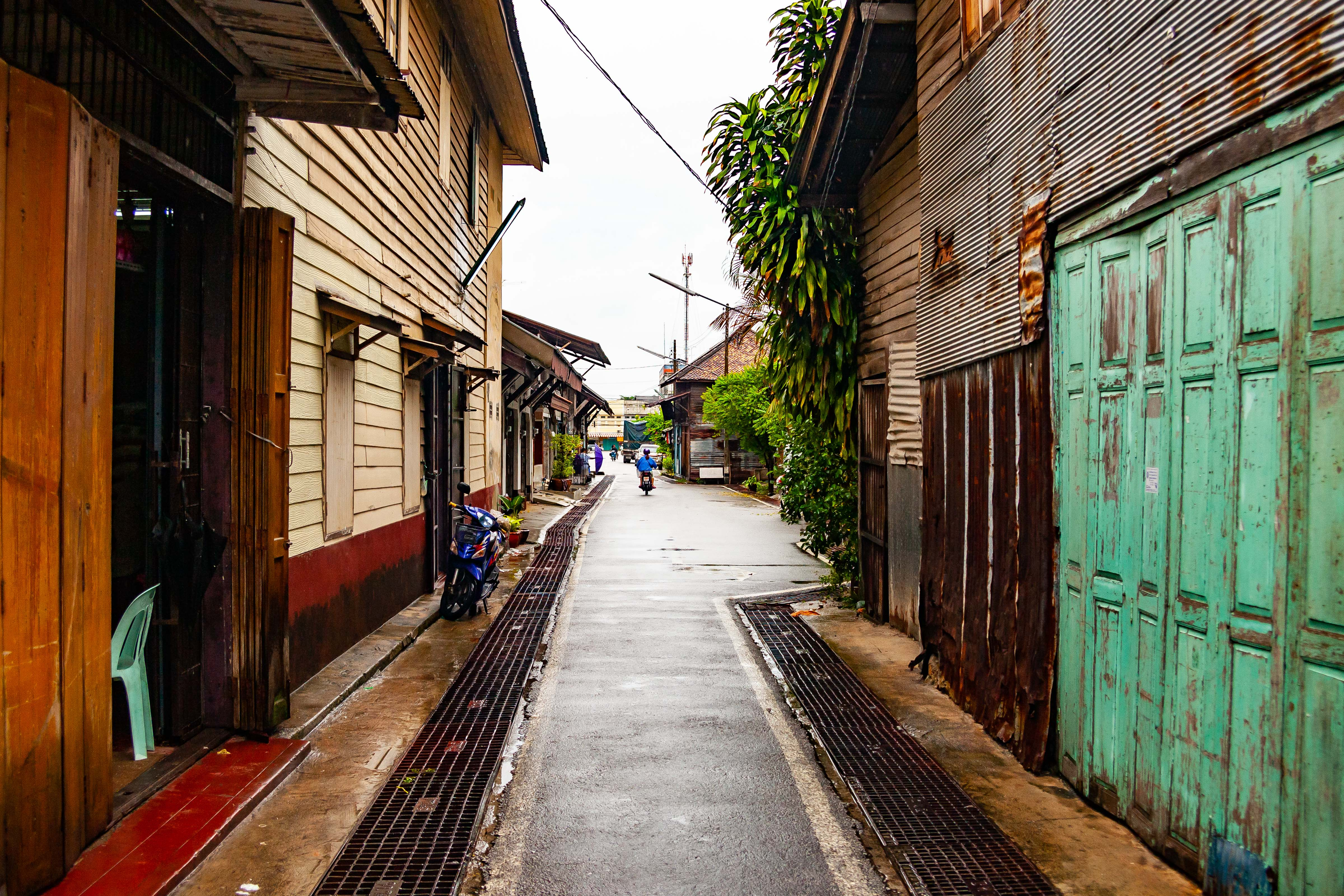 Thailand, Narathiwat Prov, Alley, 2008, IMG 1661