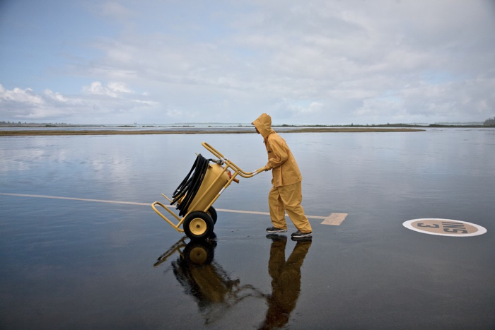 USA, Wake Island, Air Port Worker, 2009, IMG