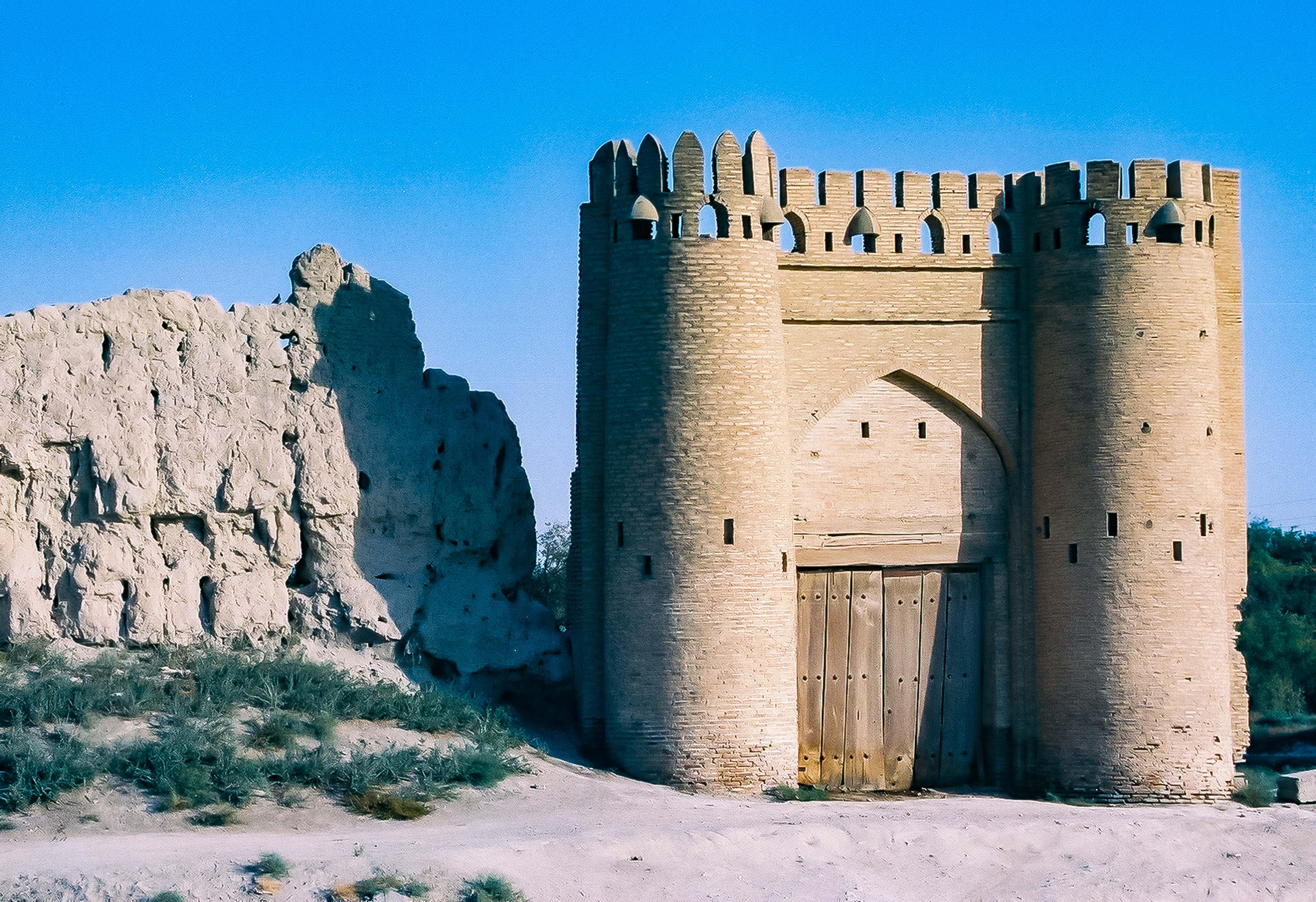 Uzbekistan, Ancient Gate, 2002