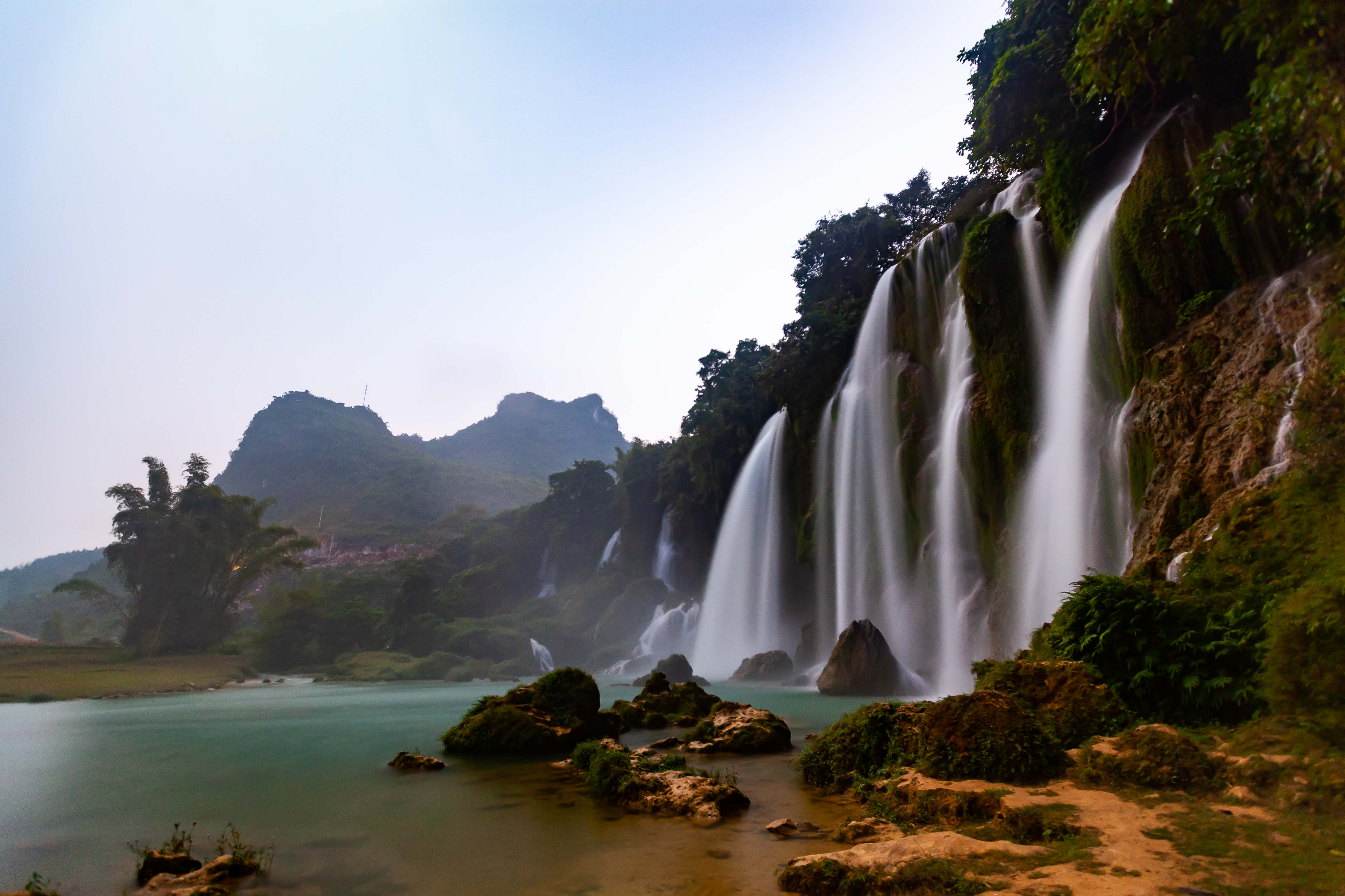 Vietnam, Cao Bang Prov, Waterfall, 2011, IMG 0779