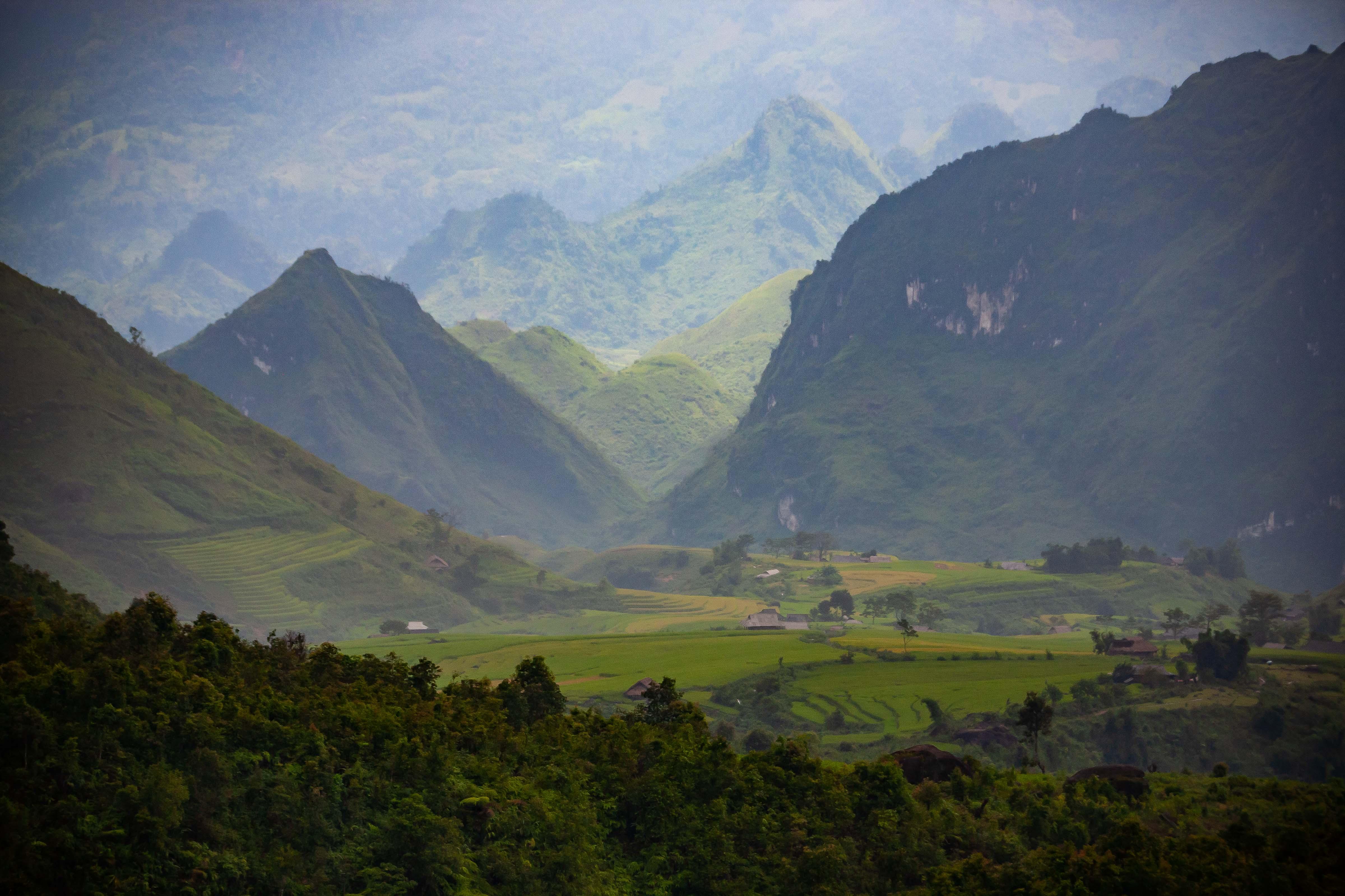 Vietnam, Lai Chau Prov, Hazy Valley, 2008, IMG 8239