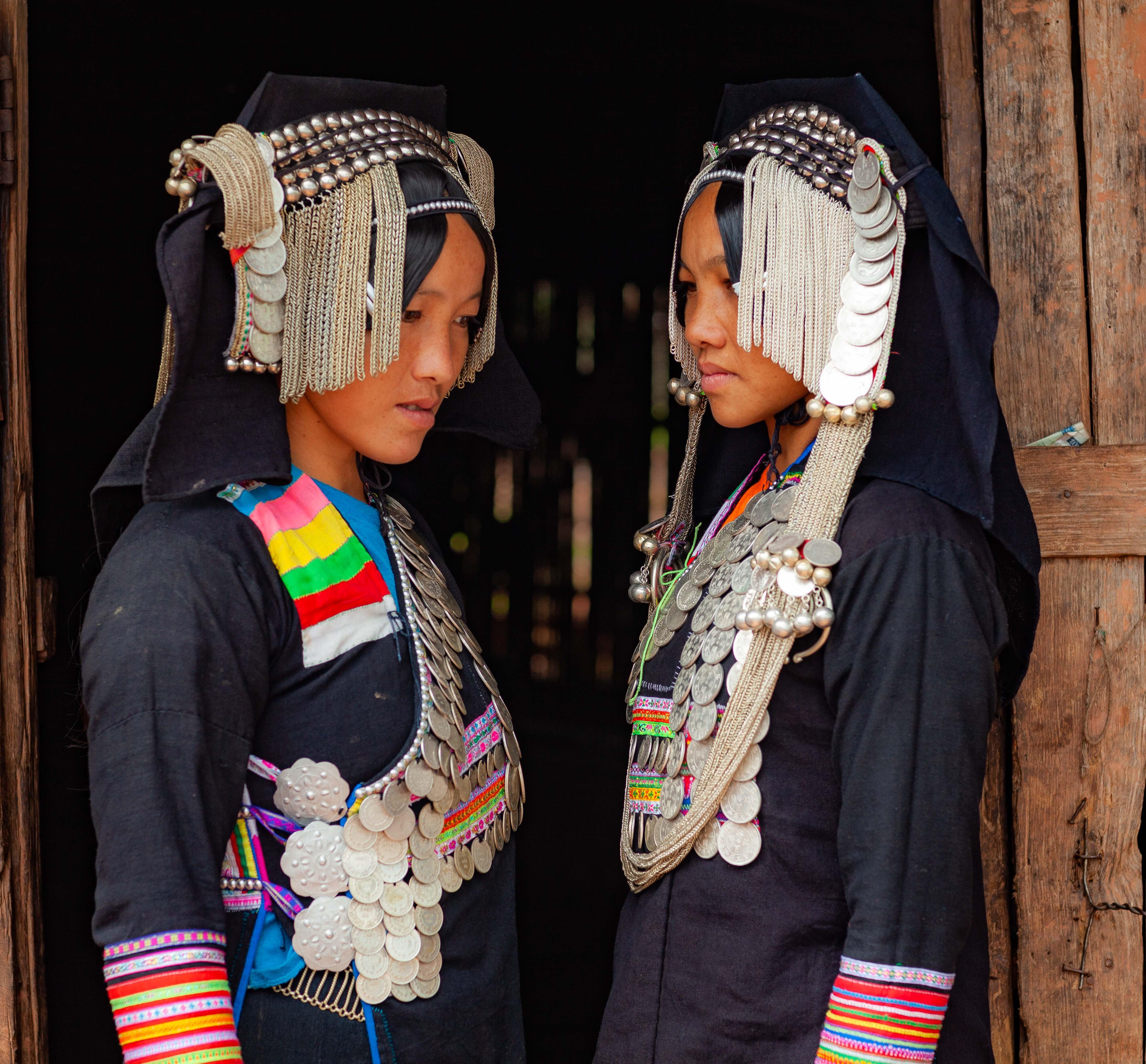 Laos, Phongsali Prov, Sisters, 2011, IMG 0809