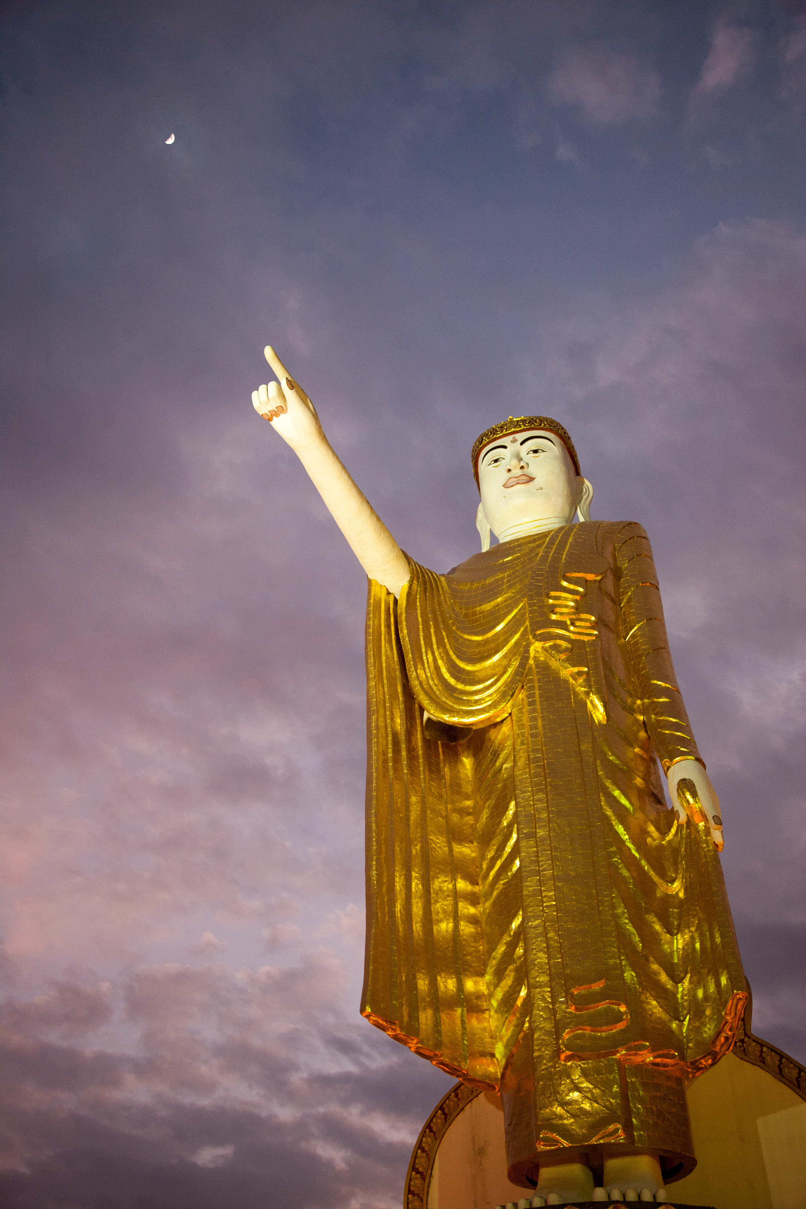 Myanmar, Shan Prov, Buddha Pointing To The New Moon, 2008, IMG 7586