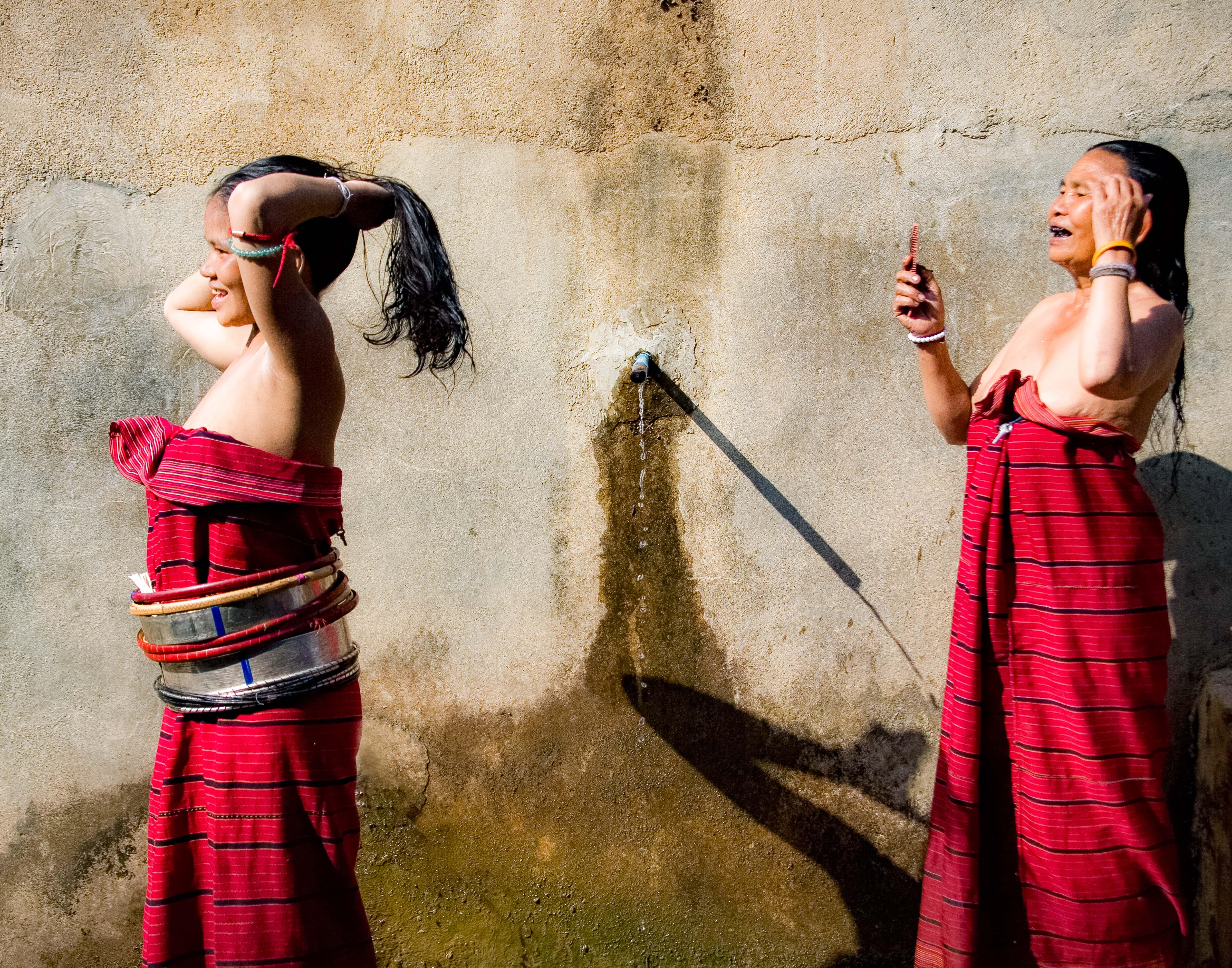 Myanmar, Shan Prov, Silver Paluang Girl Bathing, 2008, IMG 7441