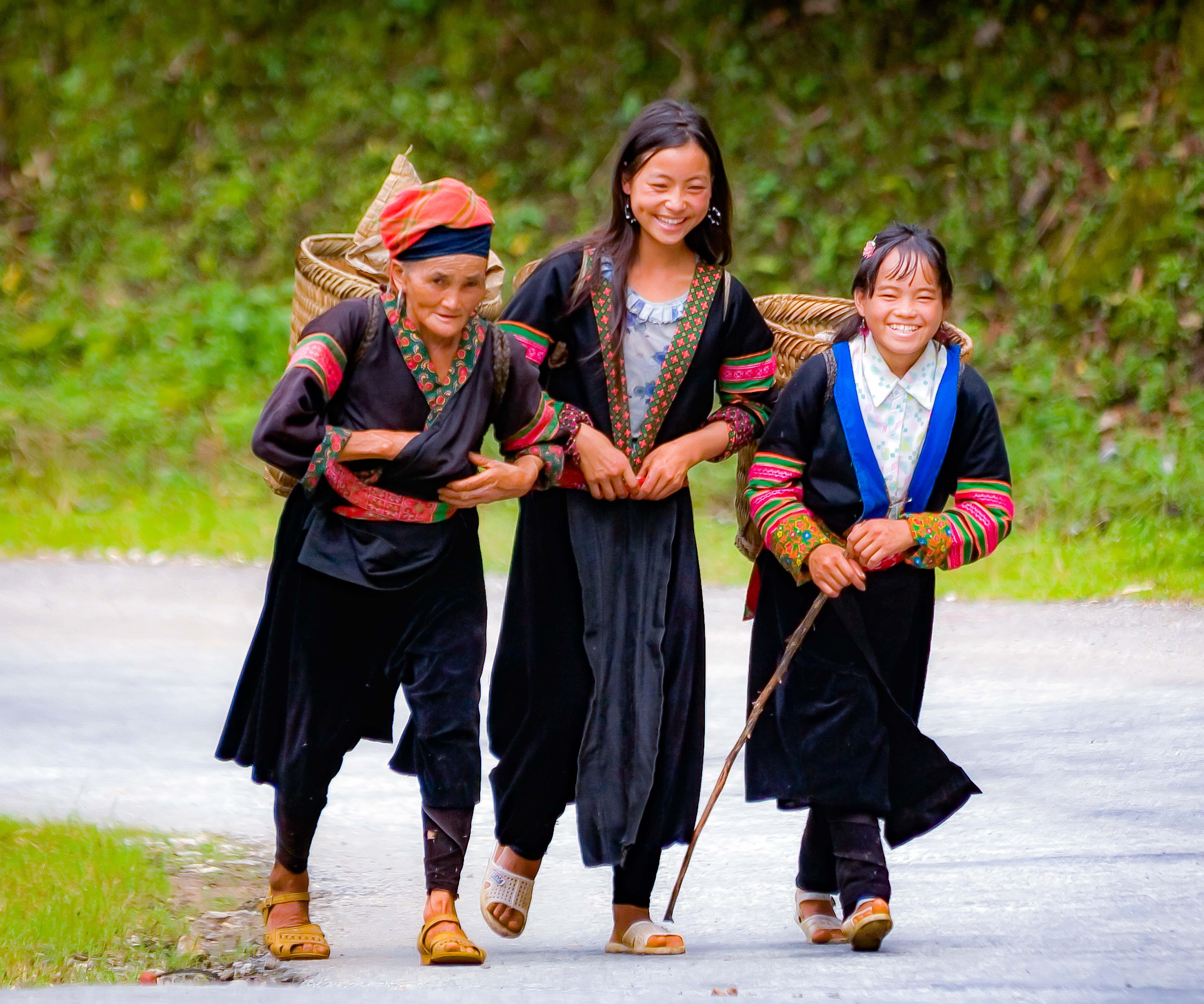 Vietnam, Lao Cai Prov, Trio, 2008, IMG_8228CU1