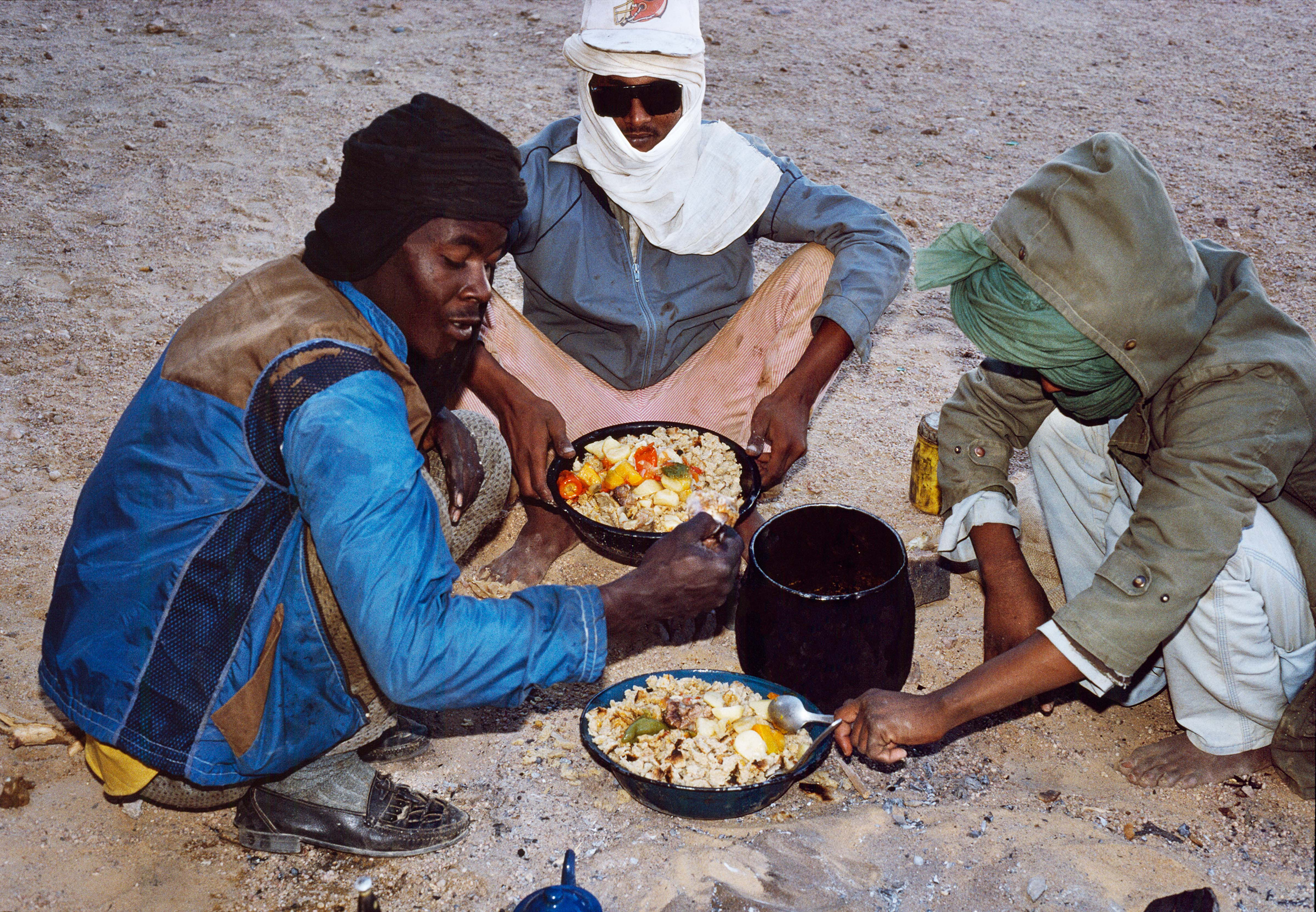 Cooking Bread In The Sand – Four